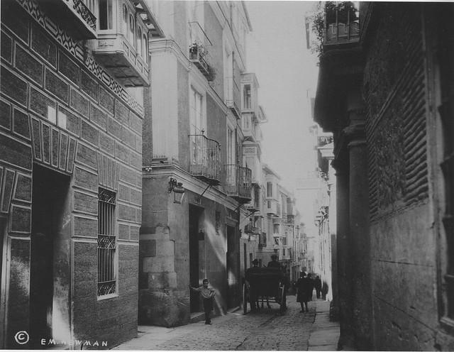 Calle de la Plata de Toledo hacia 1915. Fotografía de Edward Manuel Newman. The Hispanic Society of America