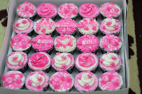 syafa-cupcakes-wedding-juju-2