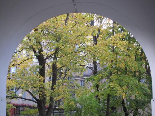 Pihanäkymä Töölössä by Anna Amnell