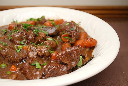Мясо говядина с подливкой
