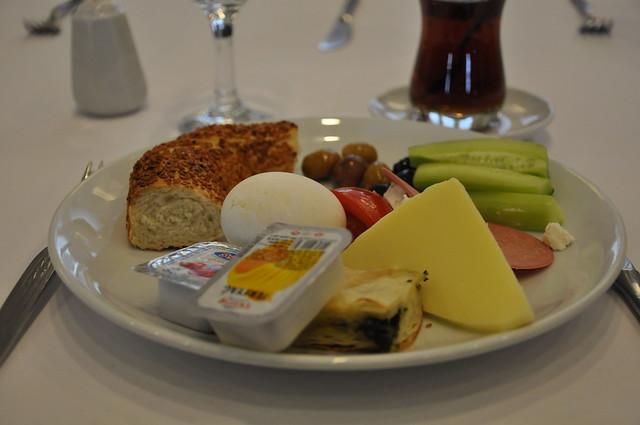 Yonca ile  Sabah Kahvaltısı