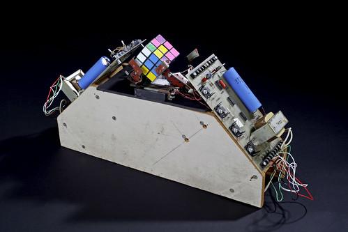 Rubiks Cube Manipulator / Claude Shannon