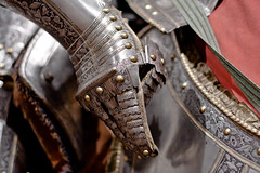 armor - hand & finger detail (flee the cities) Tags: italy horse milan art museum steel medieval kansascity missouri armor mounted knight horseback nelsonatkinsmuseumofart metalworking gilding copperalloy