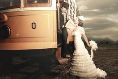 (Fer Gregory) Tags: wedding portrait art field mexicana train canon mexico eos couple photographer dress artistic mexican fernando fotografia gregory mexicano newlyweds fotografo 40d fernandogregory canoneos40d canon40d fergregory fernandogregorymilan