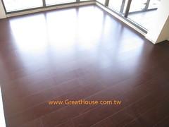 四季天韻:房間木地板