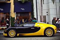 Bugatti Veyron (GHG Photography) Tags: black car yellow speed french italian power automotive olympus 164 hyper bugatti coupe supercar eb horsepower 1001 veyron bhp fastestcar e520 ghgphotography