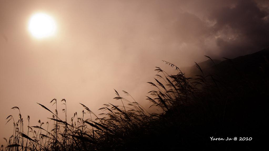 雲霧中的夕陽