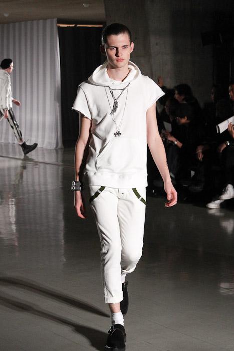 SS11_Tokyo_DISCOVERED010_Matteo Haitzmann(Fashionsnap)
