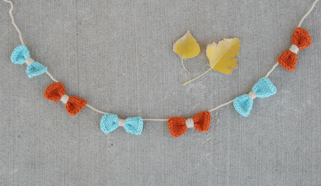 knitted bow garland