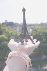 Paris in my hand (Honey Pie!) Tags: paris france hand explore toureiffel torreeiffel romantic bracelets lovely ameliepoulain pulseiras mo romntico poulain amliep