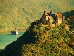 Autumn on the Rhine river  ( Explored ) (Henry der Mops ( trying to catch up )) Tags: autumn castle river herbst rhine rhein burg rhineriver drachen unescowelterbe oberwesel bej mywinners schnburg flickraward pfalzbeikaub alohagroup hccity vanagram tripleniceshot mygearandmepremium mygearandmebronze mygearandmesilver mygearandmegold flickrtravelaward unescoworldheritage