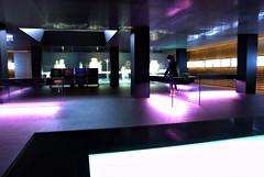 Roca Gallery (Xavi Font) Tags: barcelona gallery edificio roca