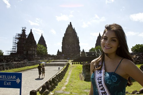 Miss Universe 2010 - Indonesia