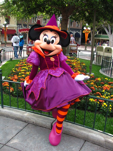 Meeting Witchy Minnie Mouse