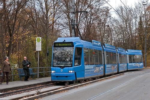 Wagen 2201 an der Tivolistraße