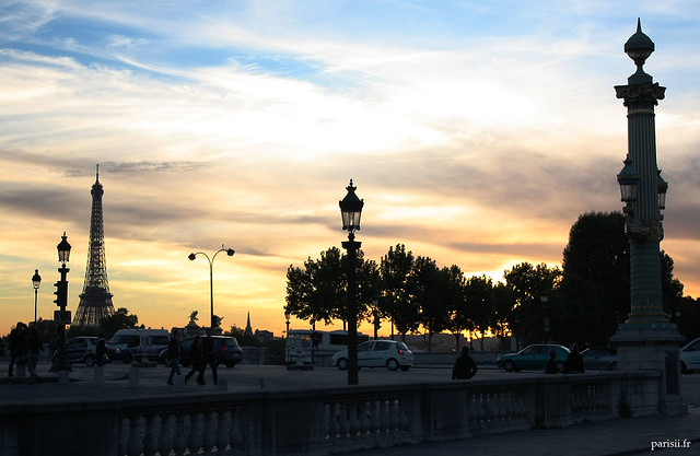 Au fond, la Tour Eiffel
