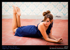 2010-10-22-Sesin Blanca Alcal-054 (Ontanilla fotografa) Tags: blue colors girl azul model chica dress blu retrato moda young colores modelo clothes brunette azzurro colori bruna ropa vestido abito morena joven ragazza vestiti posado modello brunetta ontanilla blancaalcala juanontanilla