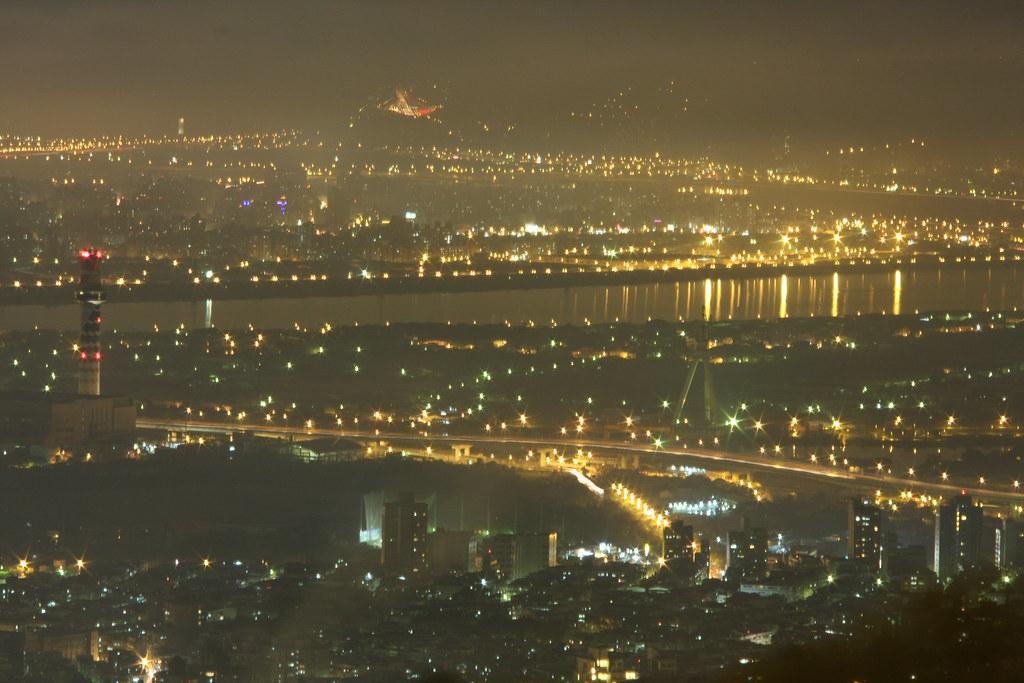 20101106文大夜景(本來是要拍煙火的)