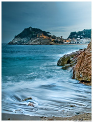 - Tossa - (Roberto Fraile) Tags: castle luz canon mar spain agua playa catalonia girona cielo catalunya roberto castillo costabrava tossa iluminacion atarcecer fraile canon1000d canonefs18200mmf3556is superstarthebest bestcapturesaoi elitegalleryaoi robertofraile mygearandmebronze mygearandmesilver mygearandmegold mygearandmediamond dblringexcellence aboveandbeyondlevel4 flickrstruereflection1 rememberthatmomentlevel4 rememberthatmomentlevel1 flickrsfinestimages1 rememberthatmomentlevel2 rememberthatmomentlevel3 rememberthatmomentlevel7 rememberthatmomentlevel5 rememberthatmomentlevel6 rememberthatmomentlevel8 rememberthatmomentlevel10