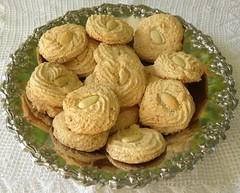 Pastitsia (almond cookies)