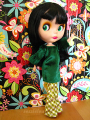 031/365 Disco diva! (sozzielou) Tags: flower disco doll power fringe 70s blythe brunette bangs goldie allgoldinone edna flares matte platforms bl 365blythe