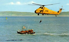 RAF SAR Westland Wessex + RNLI Rother Class lifeboat (Watson class) Tags: sea rescue ship aircraft vessel helicopter lifeboat motorboat westland sar raf rnli rother wessex searchandrescue classicboat royalairforce royalnationallifeboatinstitution sykorsky