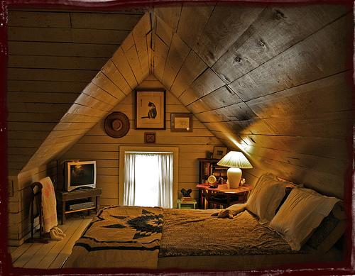 屋根裏部屋の画像を貼ってく