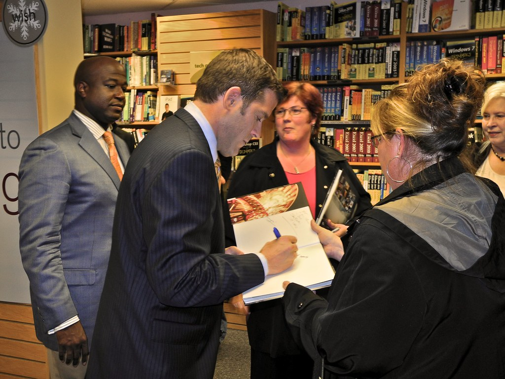 Book Signing 01