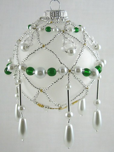 Beaded Ornament in Silver-White-Green_02