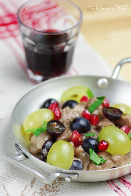 Pork with red wine, grapes and pomegranate