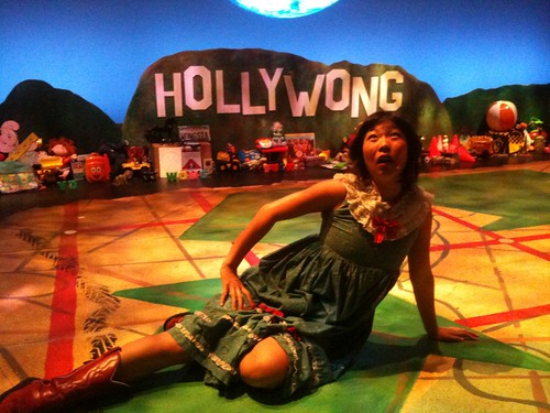 The set was one big clusterfluck of Wong.