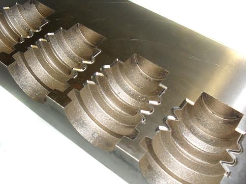Mecanizado de figuras a electroerosión en molde de inyección