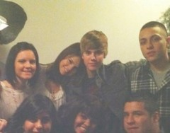 Juslena?! (Just Rares Photos Disney 2) Tags: world family justin marie thanks real personal drew free disney relationship together cast giving trade rare selena gomez channel novios bieber wowp juslena