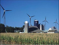 windmills & crops together (US Natural Resources Conservation Service, from the ICMA report)