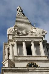 St Georges Bloomsbury (St. Luke's Sculptors) Tags: lion stgeorges bloomsbury unicorn hawksmoor halicarnassus