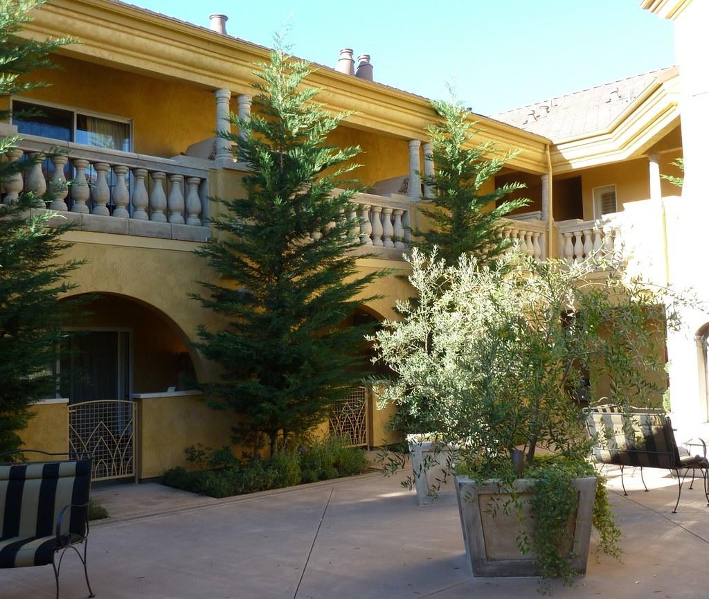 Healdsburg Hotel Courtyard