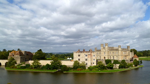 Leeds Castle by HerryLawford