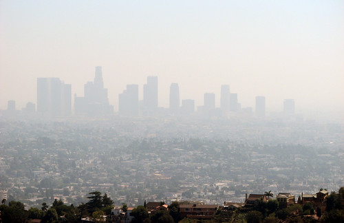 smog in Los Angeles (by: Ben Amstutz, creative commons license)
