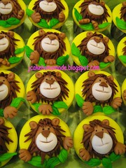 Lion Theme Cupcakes (Jcakehomemade) Tags: birthday animals st lion jungle safari1 jcakehomemade
