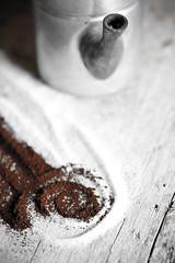 (BrunellaFratini) Tags: photography e stillife bianco caff nero moka caffettiera colazione zucchero bere vasto polvere bevanda caffettieranapoletana brunellafratini wwwabcgraficheit