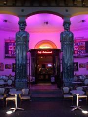 Utrecht, Winkel van Sinkel (Stewie1980) Tags: city netherlands evening utrecht columns nederland statues finepix winkel fujifilm van avond terras caryatids stad oudegracht zuilen lightened sinkel a700 verlicht kariatiden fujifilmfinepixa700