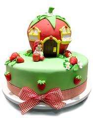 Bolo Moranguinho (The Cookie Shop) Tags: birthday house cake bolo strawberryshortcake moranguinho