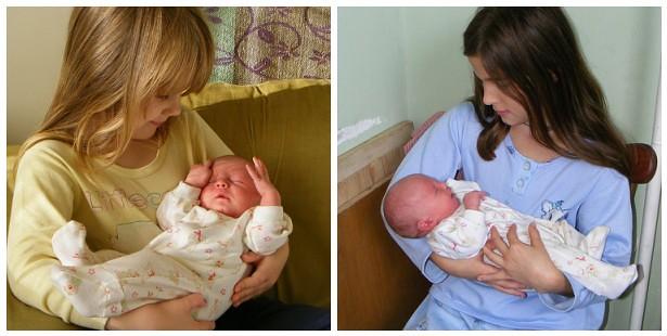 lányok babáznak
