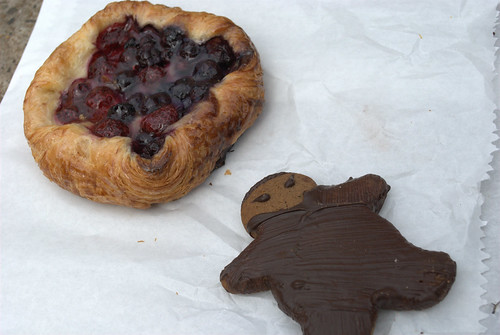 Black Star Pastry: Blueberry & raspberry danish and ginger ninja