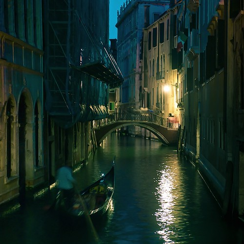 Cuba Gallery: Italy / Venice / natural light / water / bridge / photography