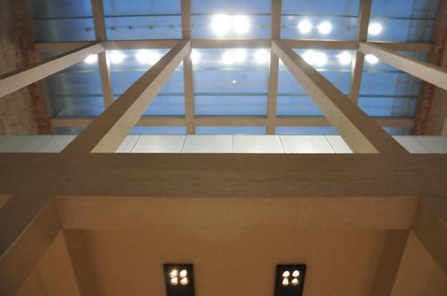 Blick gegen das Dach, Atrium im Neuen Museum Berlin