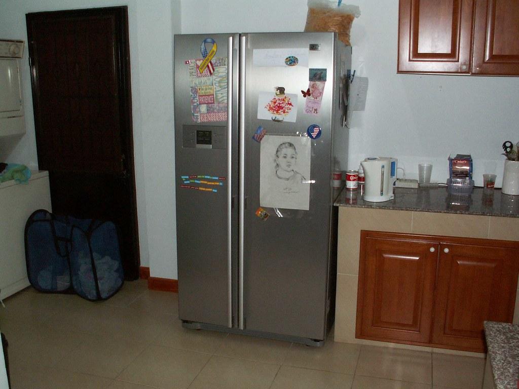 side-by-side fridge/freezer