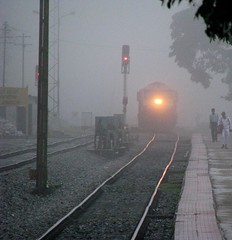Coming out of the mist (Jay fotografia) Tags: castlerock indianrailways ubl wdg4 braganzaghats