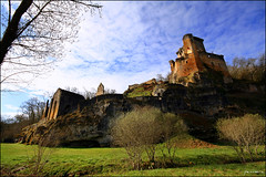 Commarque (Pemisera) Tags: france fort frana dordogne medieval prigord fortification francia middleage perigord moyenge medievo aquitaine commarque medievalfrance chteaudecommarque francelandscapes fortesses rocchecastelli rocchefariecastellicastleslighthosesbelltowers pemisera
