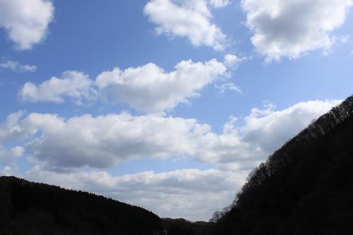 山間の青空